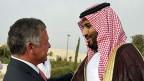 Saudiarabien unterstützt syrische Flüchtlinge in den Lagern in Jordanien. Bilde: Der jordanische König Abdullah und der saudische Kronprinz Mohammed bin Salman.
