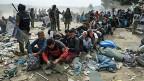 Der Flüchtlingsstrom über die Balkan-Halbinsel beginnt in Griechenland. Bild: An der griechisch-mazedonischen Grenze.