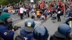 Grosseinsatz der Berner Polizei wegen Auseinandersetzungen zwischen Türken und Kurden.