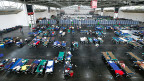 In den letzten Tagen sind Helferinnen, Helfer und Behörden in München an ihre Grenzen gelangt. Bild: Notfalllage in einer Halle auf dem Münchner Messegelände.