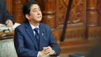 Japans Premierminister Shinzo Abe im japanischen Oberhaus.