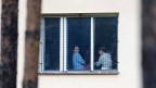 Migranten und Migrantinnen in einem Gefangenenlager in der Nähe von Bela-pod-Bezdezem, Tschechien.