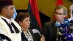 Bernardino Leon (rechts), Uno-Sonderbeauftragter für Libyen, kündigt nach langen, zähen Verhandlungen eine Einheitsregierung an.