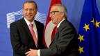 EU-Ratspräsident Jean Claude Juncker trifft sich anlässlich des EU-Flüchtlingsgipfels mit dem türkischen Staatspräsidenten Recep Erdogan.