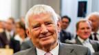 Otto Schily, ehemaliger deutscher Innenminister nimmt Stellung zur gegenwärtigen Flüchtlingssituation in Deutschland.