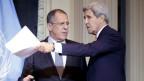 US-Außenminister John Kerry (R) und der russische Außenminister Sergej Lawrow am Freitag, 30. Oktober 2015, vor Beginn einer PK anl. einer Syrien-Konferenz in Wien.