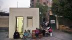 Wer schweigt, wird geduldet. Vor einem Wahllokal im Kairoer Arbeiterquartier Boulaq am 18. Oktober.