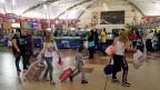 Die Touristen verlassen das Land, die Sicherheitspolitik steht auf dem Prüfstand. Ägypten nach dem Flugzeugabsturz.