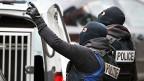 Belgische Sonderpolizeieinheit während einer Razzia im Molenbeek-Quartier in Brüssel.