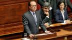 Präsident François Hollande spricht an der Sondersitzung der beiden Parlamentskammern in Versailles. Er sagt dem «Islamischen Staat» den Krieg an, gibt sich als unerbittlicher, erbarmungsloser Feldherr.