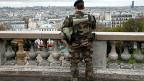Hunderte Hausdurchsuchungen, Komplizen-Fahndung, Verhaftungen. Frankreich und der Kampf gegen den Terror.