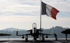 Ein Kampfjet auf dem französischen Flugzeugträger Charles de Gaulle