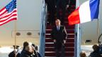 Der französische Präsident François Hollande bei seiner Ankunft auf der Andrews Air Force Base am 24. November 2015. Hollande trifft Präsident und zählt auf dessen Solidarität.