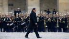 Die ganze Nation beweint die Opfer, sagte Frankreichs Präsident Hollande an der Trauerfeier im Invalidendom. Er verspricht alles zu tun, um diese Armee der religiösen Fanatiker zu zerstören.
