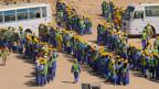 Etwa 4 Millionen Nepalesen arbeiten als Migranten im Ausland. Sie schicken fast 5 Milliarden Dollar nach Nepal. Bild: Wanderarbeiter in Katar.