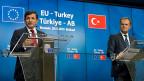 In der Türkei sprach die Regierung nach dem Treffen in Brüssel von einem «historischen Tag in unserem EU-Beitrittsprozess».  Bild: Der türkische Premier Davutoglu und EU-Ratspräsident Tusk.
