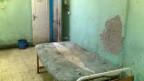 Auf Visite in einem ägyptischen Krankenhaus, wo Katzen umherstreunen, Operationssäle fehlen und Betten den Namen nicht verdienen.