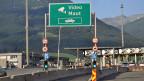 Entgegen aller Bestrebungen zur Harmonisierung der Schwerverkehrsgebühren auf internationalen Alpenkorridoren werde nun die Diskrepanz zu den Schweizer Gebühren für die Alpenquerungen via Gotthard und San Bernardino noch grösser, kritisierte das Land Tirol.
