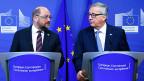 Ratlosigkeit in Europa. Die EU ringt nach wie vor mit der Flüchtlingskrise. Bild: EU-Parlamantespräsident Martin Schulz und EU-Kommissionspräsident Jean-Claude Juncker an Medienkonferenz zum Flüchtlingsgipfel in Brüssel.