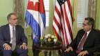 «Wenn wir nicht mitreden, haben wir auch nichts zu sagen», meint Jeffrey DeLaurentis, US-Botschafter in Havanna, links im Bild; rechts Marcelino Medina, Kubas interimistischer Aussenminister.