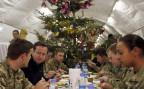der britische Premierminister bei einem Überraschungsbesuch bei britischen Truppen in der afghanischen Provinz Helmand