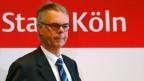 Der Kölner Polizeipräsident Wolfgang Albers ist nach den massiven sexuellen Übergriffen auf Frauen in der Silvesternacht in den einstweiligen Ruhestand versetzt worden.