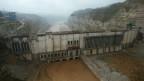 Eine Luftaufnahme zeigt den Wanjiazhai-Damm im Bau in der Provinz Shanxi, China. Der 434 Meter hohe Damm wurde von der chinesischen Regierung und der Weltbank finanziert.