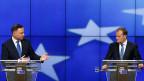 Zwischen Brüssel und Warschau gibt es Unstimmigkeiten: Die EU-Kommission hat ein Verfahren gegen Polen gestartet, weil die neue polnische Regierung rechtsstaatliche problematische Gesetze beschlossen hat. Bild: Der polnische Präsident Duda und der polnische EU-Ratspräsident Tusk an einer Medienkonferenz in Brüssel.