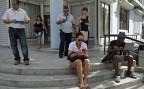 Politische Werbung in Kuba ist ein heikles Unterfangen. Die Medien sind staatlich, Demonstrationen werden sofort aufgelöst, Internet und  soziale Medien sind noch zu wenig verbreitet. Die Organisation «Somosmás» setzt deshalb auf auf Mund-zu-Mund-Propaganda - und auf «El Paquete», ein digitales, wöchentlich aufdatiertes Informationspaket.