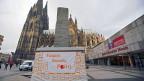 Während München 3800 Taschendiebstähle pro Jahr verzeichnet und Stuttgart deren 1500, sind es Köln und Leverkusen über 14'000 pro Jahr. Die Diebesszene ist in den letzten Jahren explodiert. Bild: Am Kölner Karneval gibt es nun «Security Points» für Frauen.