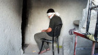 Der Syrer wird verdächtigt, die syrische Armee mit Informationen versorgt zu haben.