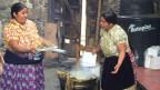 Papst Franziskus geht dorthin, wo Angst den Alltag beherrscht. Bild: Frauen in Michoagan.