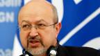 Der Waffenstillstand werde wieder ständig verletzt; die Bewegungsfreiheit der OSZE-Beobachter schrumpfe. Und seine Leute hätten, trotz intensiver Bemühungen, immer noch keinen Zugang zum grössten Teil der russisch-ukrainischen Grenze, sagt OSZE-Generalsekretär Lamberto Zannier.