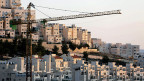 In seiner ersten Amtszeit als Premier gab Netanyahu grünes Licht für den Bau der Siedlung Har Homa. Die weltweite Empörung war grossm selbst die USA protestierten. Heute leben hier 25'000 Menschen; Es gibt fünf Schulen, Einkaufszentren, und eine Schnellbusverbindung nach Westjerusalem.