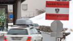 Junge Südtiroler etwa fahren täglich zur Ausbildung nach Österreich. Die Beziehungen über den Brenner sind eng, familiär und gehen auf die lange, gemeinsame Geschichte zurück. Georg Lun von der Industrie- und Handelskammer macht sich Sorgen.