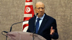 Die Erinnerungen an den Krieg gegen Libyens Diktator Gadhafi sind in Tunesien noch immer gegenwärtig; damals flüchteten innert weniger Tage mehr als hunderttausend Gastarbeiter aus Libyen nach Tunesien. Bild: der tunesische Präsident Béji Caid Essebsi.