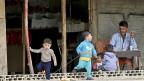 Die Zeit, in denen die syrischen Flüchtlingsfamilien  im kleinen Nachbarland Libanon mit offenen Armen empfangen wurden, ist lange vorbei.  Bild: Syrische Flüchtlingsfamilie in Sidon im Süden Libanons.