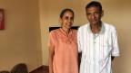 Im Altersheim Sukshanti spielen Vasanta und ihr Mann Baskara täglich eine Runde Ping-Pong, ein kämpferisches Duell. Yoga, Meditation, Spaziergänge, Zeitungslektüre und Internet füllen ihren Alltag.
