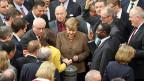 Der Bundestag hat strengere Asylgesetze verabschiedet und das Bild der Willkommenskultur zurechtgerückt. Nun gilt: Flüchtlinge sollen schneller erfahren, ob sie bleiben dürfen.
