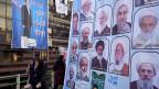 Die Reformer und die sogenannt moderaten Konservativen haben sich zusammengetan und hoffen, mit gemeinsamen Listen die extremsten Hardliner aus dem iranischen Parlament vertreiben zu können. Bild: Eine Wand mit Wahlplakaten im Zentrum Teherans.