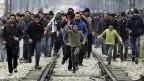Da Mazedonien fast keine Flüchtlinge mehr über die Grenze lässt, bleiben immer mehr in Griechenland.