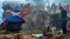 «Die Flüchtlinge werden wie so eine Art Pfand genommen; die Türkei hat Interessen, die EU hat Interessen – und die Lleidtragendnen sind schlussendlich die Flüchtlinge», sagt Alexandra Karle im Gespräch.
