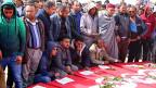 Kein Terroranschlag, sondern ein Eroberungsversuch. Nach Libyen gerät auch Tunesien ins Visier des «Islamischen Staats». Bild: Trauerfeier für die Opfer der IS-Angriffe an der tunesisch-libyschen Grenze in der Stadt Ben Guerdane.
