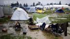 Viele Syrer sitzen im Flüchtlingslager Idomeni in Griechenland fest.
