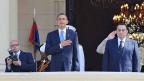 Am 4. Juni 2009 hielt US-Präsident Barack Obama in Kairo seine «Rede an die islamische Welt». Die Rede trug im englischen Original den Titel «A New Beginning». Obama sprach in der Universität Kairo und erfüllte damit ein Wahlkampfversprechen. Bild: im Hintergrund am linken Bildrand der Fotograf Ahmed Mourad,  im Vordergrund US-Präsident Barack Obama und der damalige ägyptische Herrscher Hosni Mubarak.