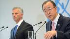 Aussenminister Didier Burkhalter (links) und UN-Generalsekretär Ban Ki-Moon zur Prävention von gewalttätigem Extremismus in Genf am 8. April 2016.