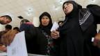 Frauen aus Aleppo geben ihre Stimmen in einem Wahllokal ab während der Parlamentswahlen in Damaskus am 13. April 2016.