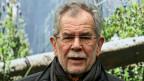 72 Jahre alt, Kettenraucher, bedächtig im Formulieren und immer freundlich: Noch immer wundert sich Alexander van der Bellen manchmal darüber, dass aus ihm, dem sogenannt spröden Professor, ein Präsident werden könnte.