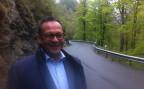 Paul Federer, Regierungsrat Kanton OW, Bauvorsteher und Präsident der kantonalen Bau- und Planungsdirektoren-Konferenz BPUK, auf der sanierungsbedürftigen Strasse Richtung Melchsee-Frutt