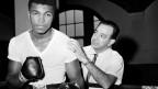 Muhammad Ali hat den Kriegsdienst verweigert und verlor seine Boxlizenz.